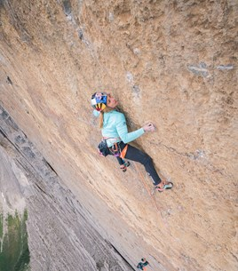 Sasha DiGiulian - Beyond the Comfort Zone